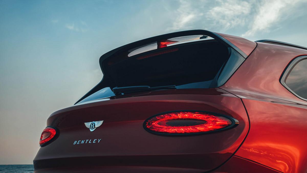 Bentley-Bentayga-S-16