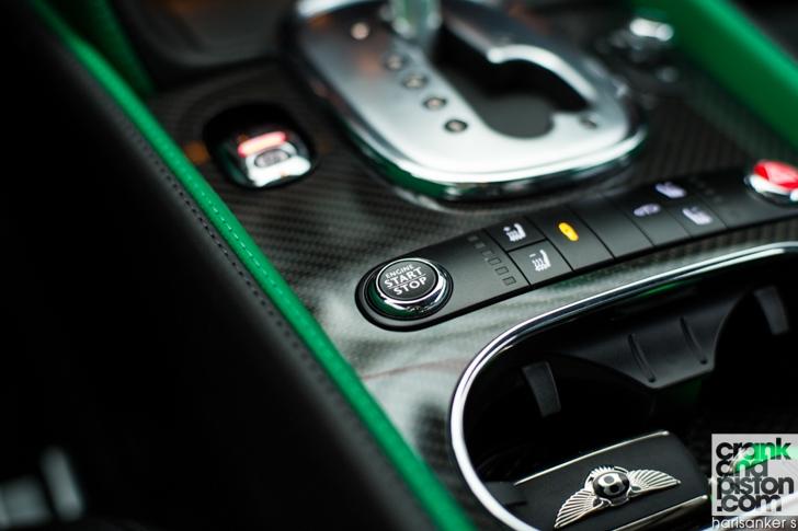 Bentley GT3-R vs McLaren 650S Spider-10