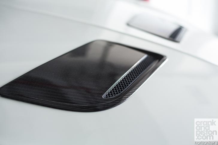 Bentley GT3-R vs McLaren 650S Spider-15