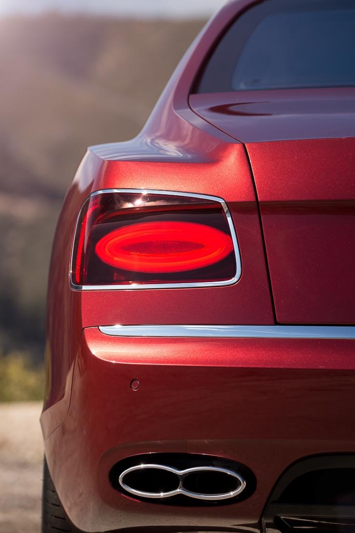 Bentley Flying Spur V8 S 06
