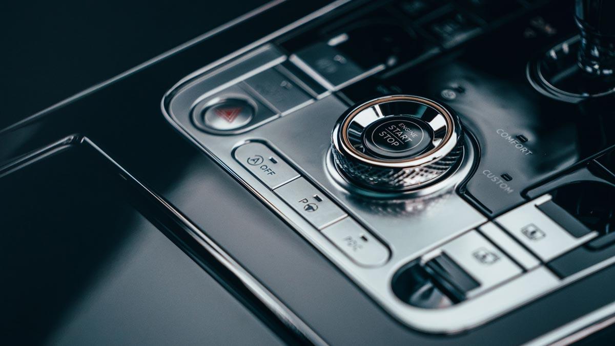 Bentley-Flying-Spur-V8-12