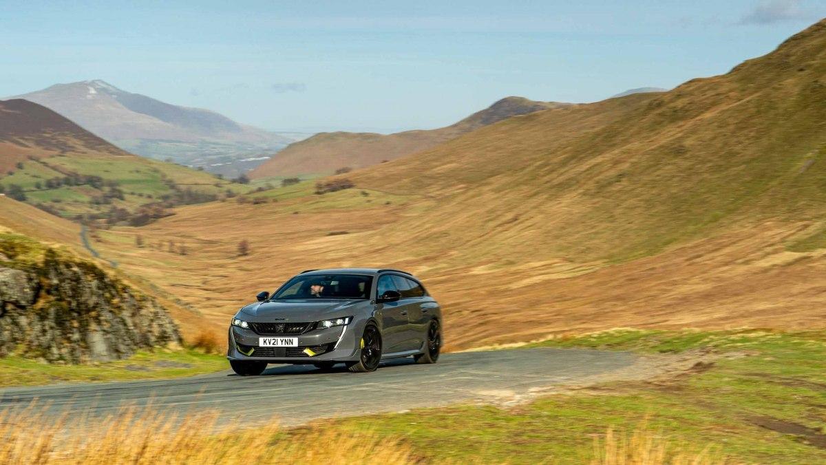 Best-hybrid-cars-2021-12