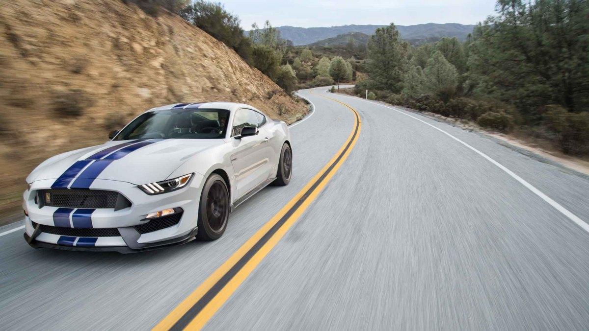 Best-V8-cars-19