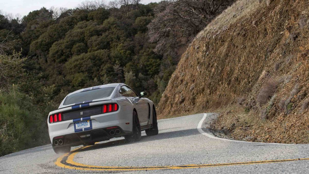 Best-V8-cars-21
