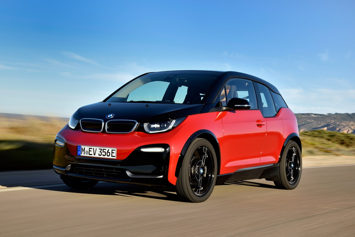 bmw i3s review bmw adds sporty appeal to its hybrid. Black Bedroom Furniture Sets. Home Design Ideas