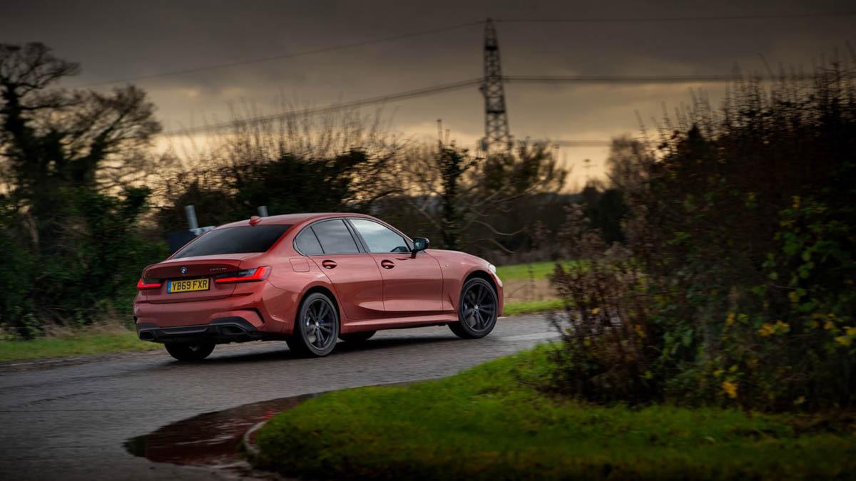 BMW-M340i-xDrive-saloon-7