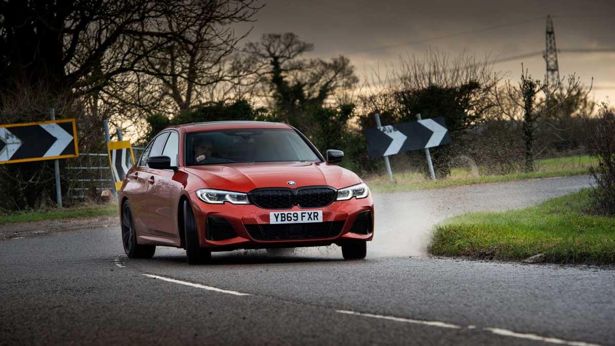 BMW-M340i-xDrive-saloon-8