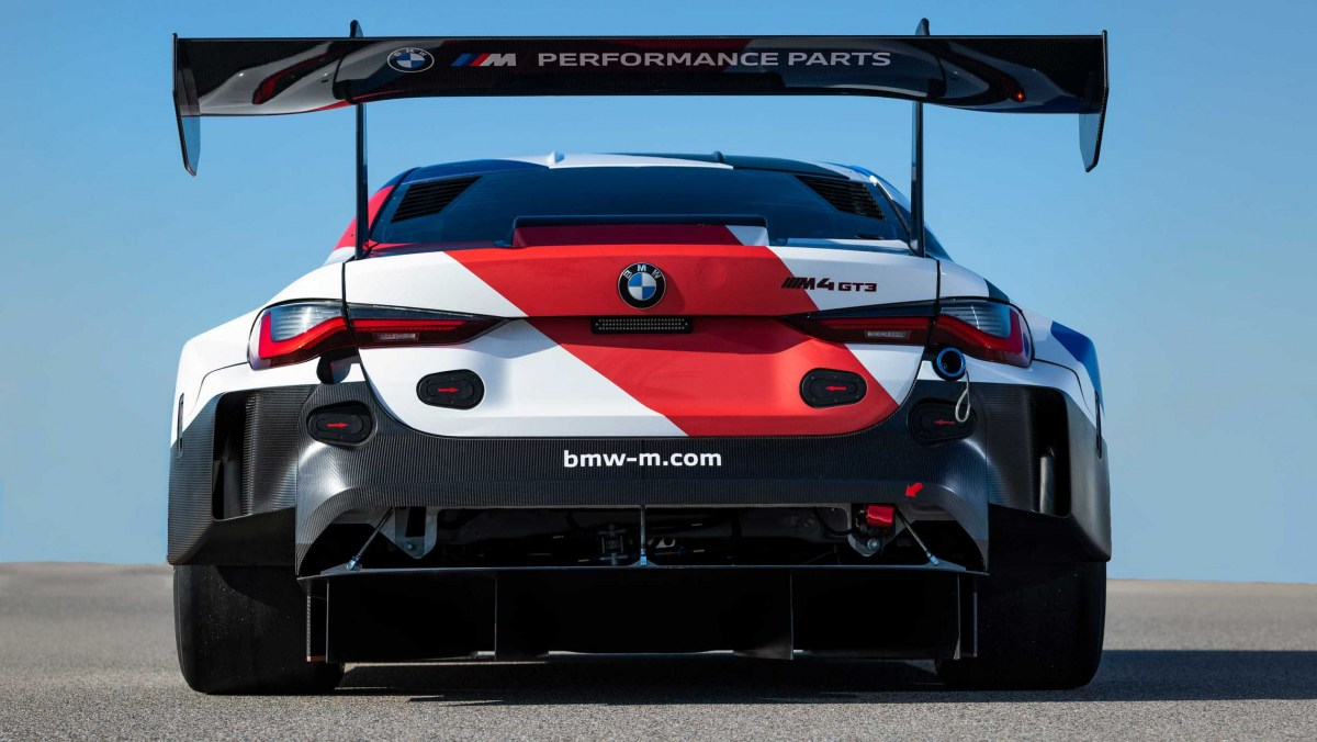 BMW-M4-GT3-7