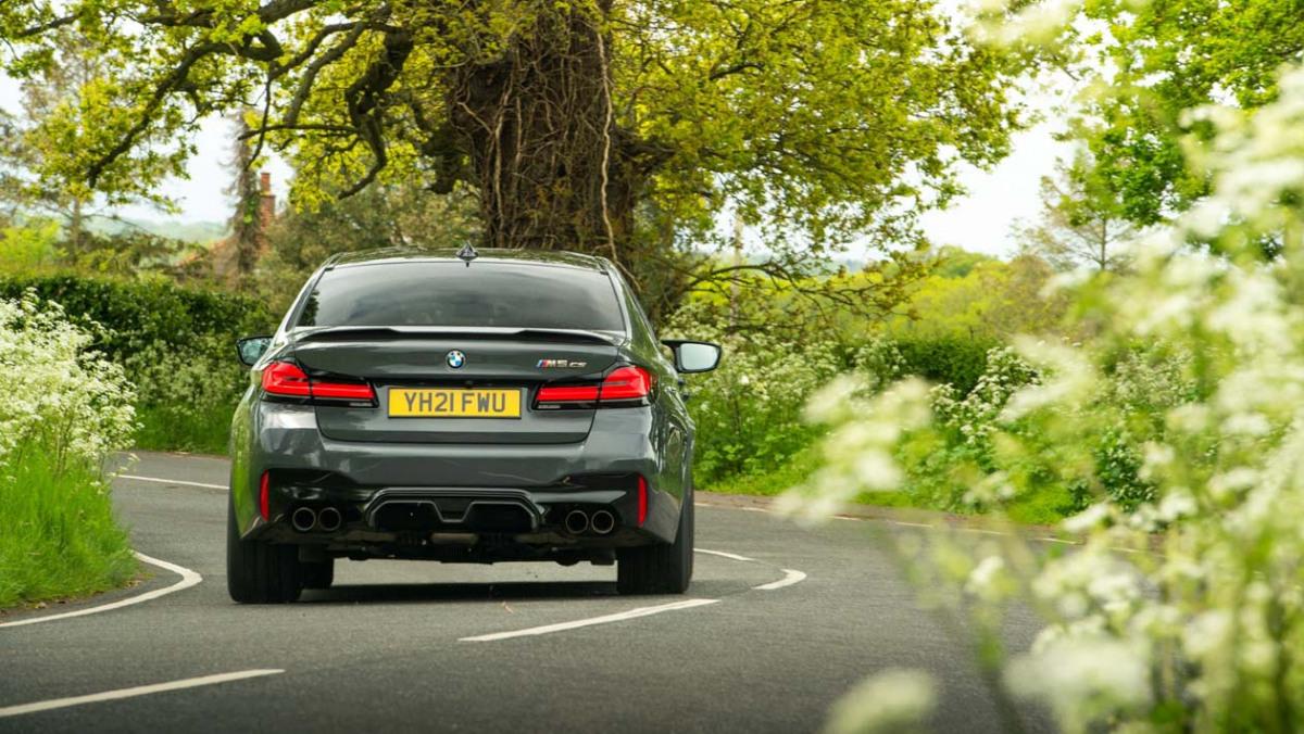 BMW-M5-CS-2021-10