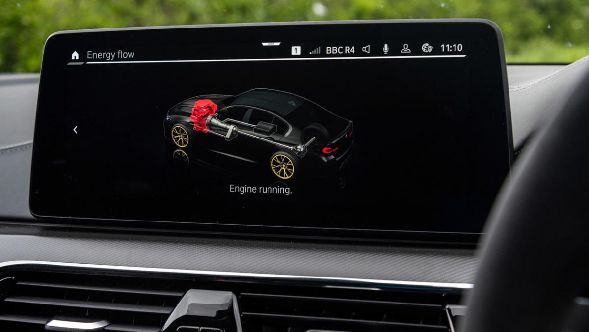 BMW-M5-CS-2021-12