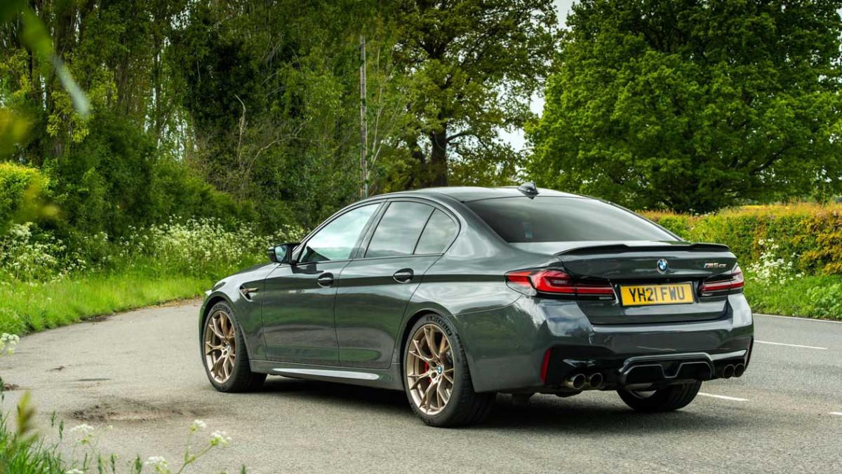 BMW-M5-CS-2021-5
