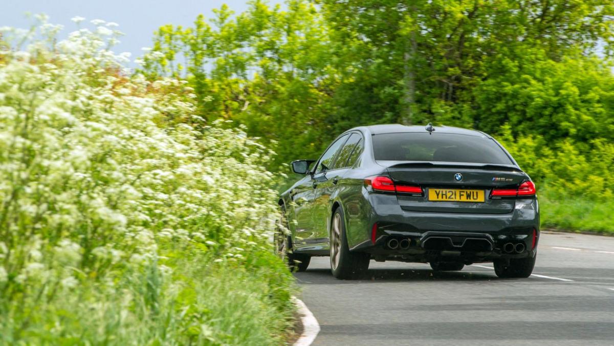 BMW-M5-CS-2021-6