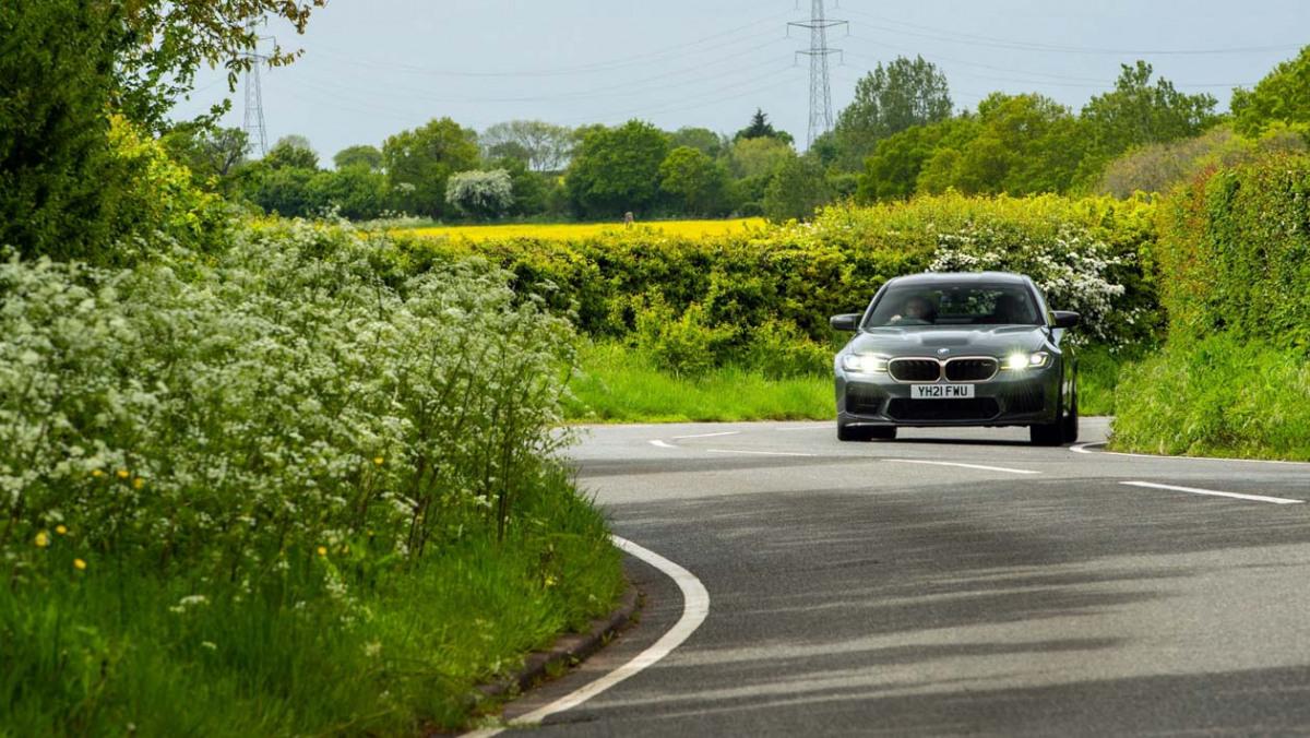 BMW-M5-CS-2021-7