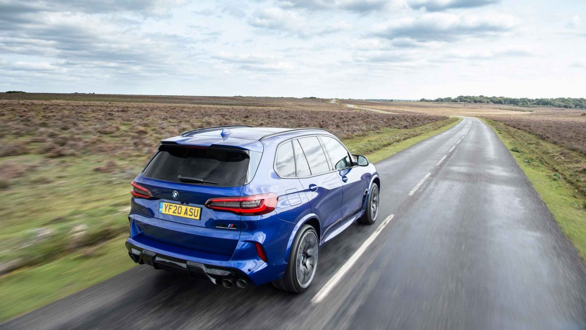 BMW-X5-M-Competition-2021-2