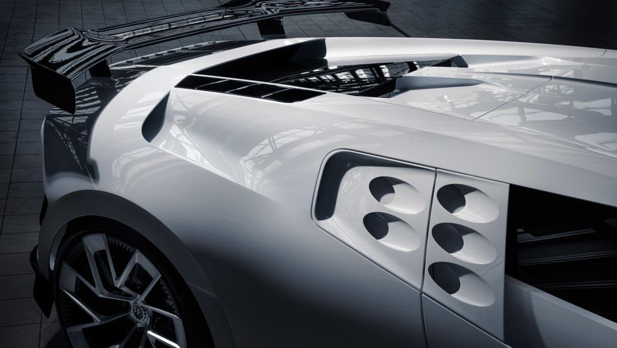 Bugatti-Centodieci-6