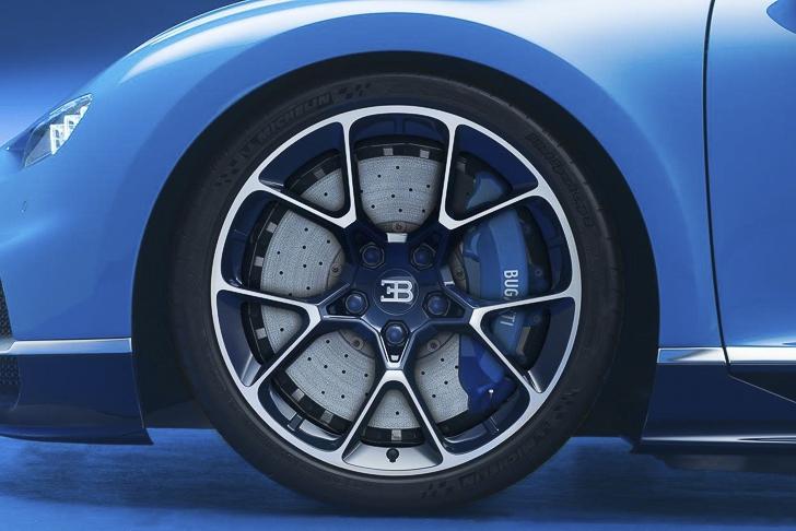 Bugatti Chiron 07