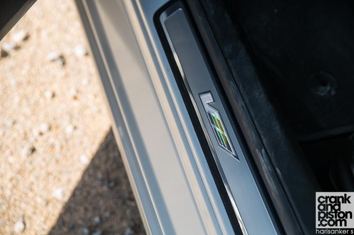 Cadillac CTS-V vs Dodge Charger SRT Hellcat crankandpiston-45