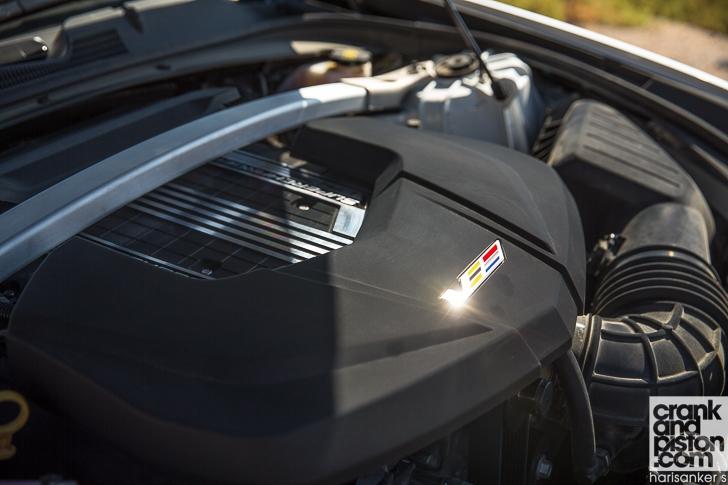 Cadillac CTS-V vs Dodge Charger SRT Hellcat crankandpiston-46