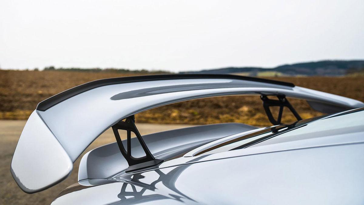 Porsche-718-Cayman-GT4-MR-8