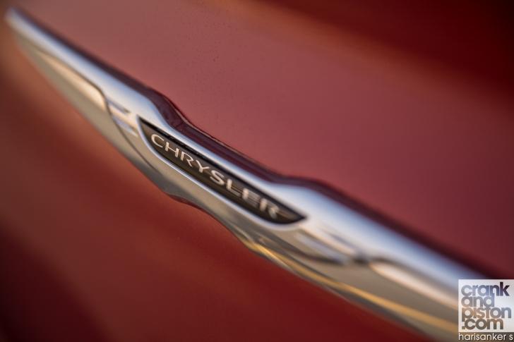 Chrysler 300S DRIVEN crankandpiston-10