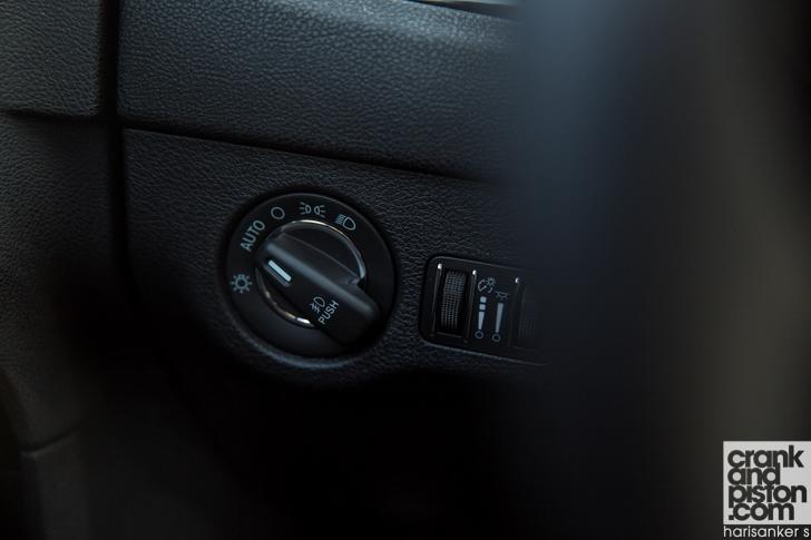 Chrysler 300S DRIVEN crankandpiston-15