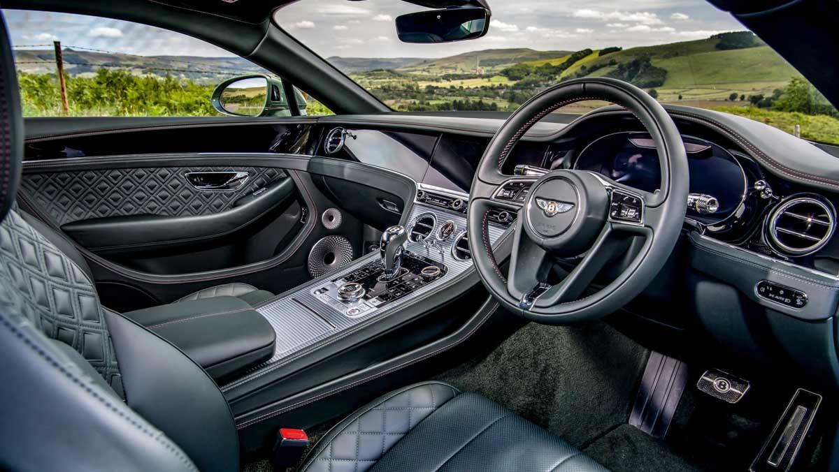 Continental-GT-v-Vantage-2