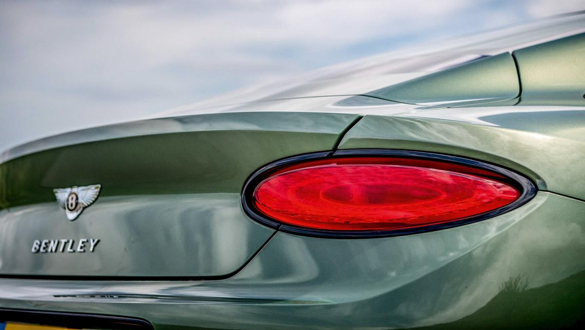 Continental-GT-v-Vantage-5