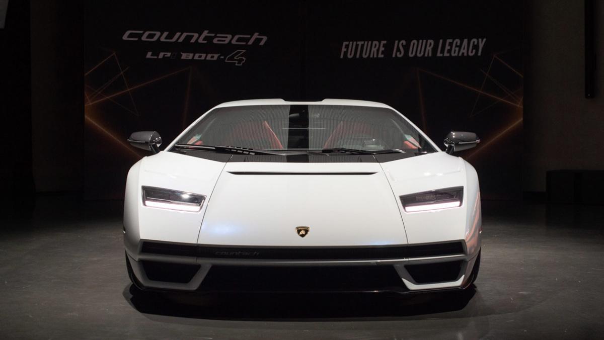 Countach-LPI-800-4-11