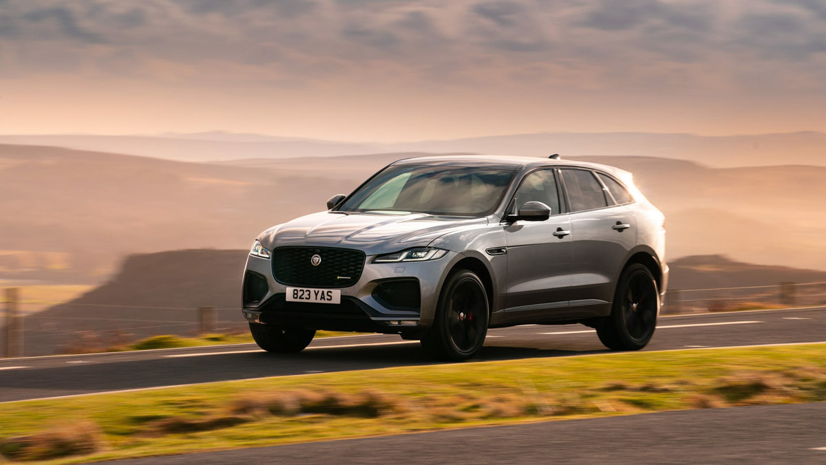 F-Pace-P400-HSE-7