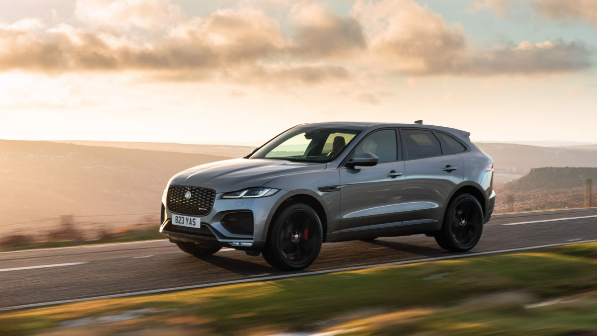F-Pace-P400-HSE-12