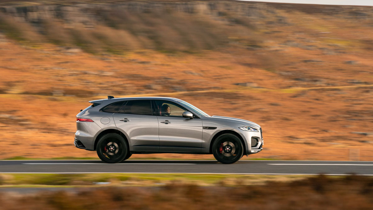 F-Pace-P400-HSE-4