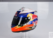 formula-one-helmet-design-010