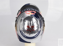 formula-one-helmet-design-013