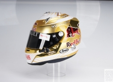 formula-one-helmet-design-014