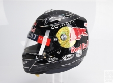 formula-one-helmet-design-019