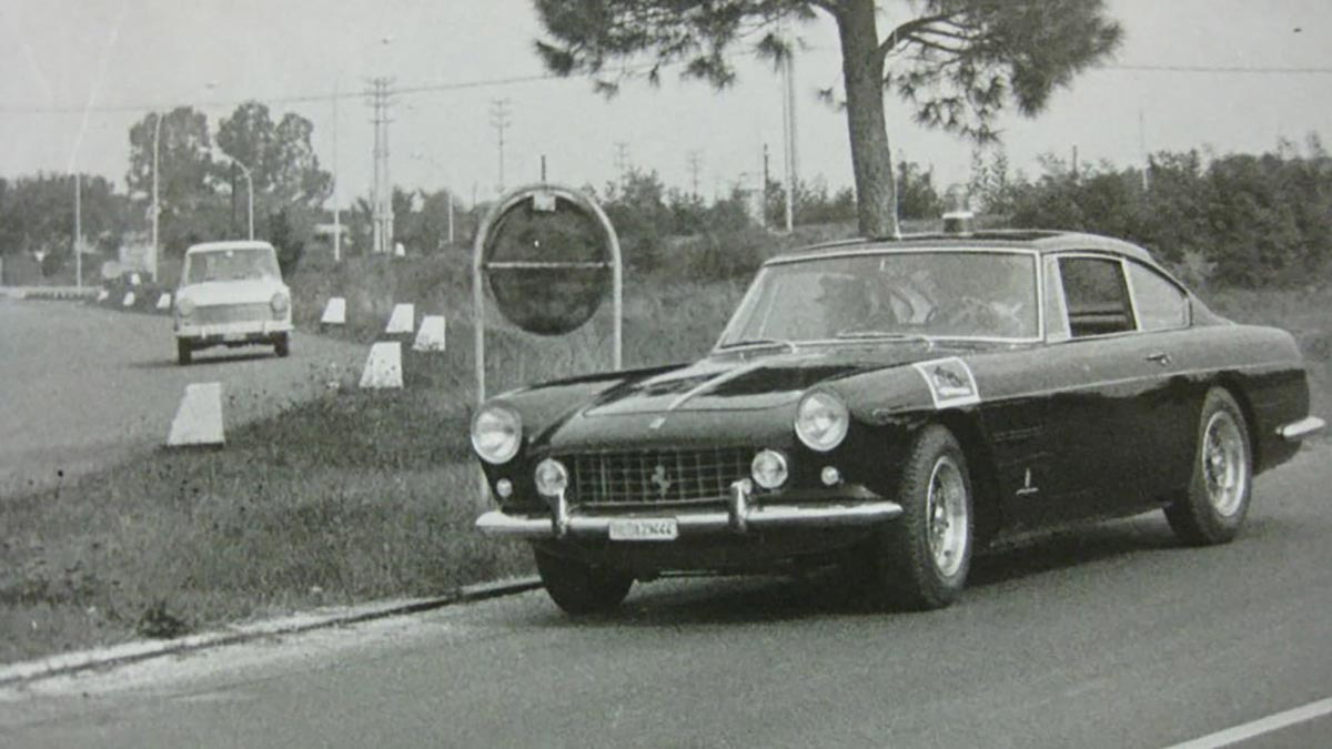 Ferrari-250-GTE-3