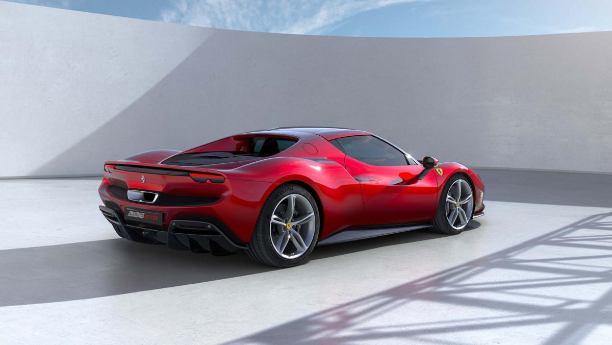 Ferrari-296-GTB-9