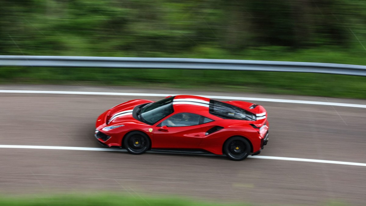 Ferrari-488-Pista-review-7