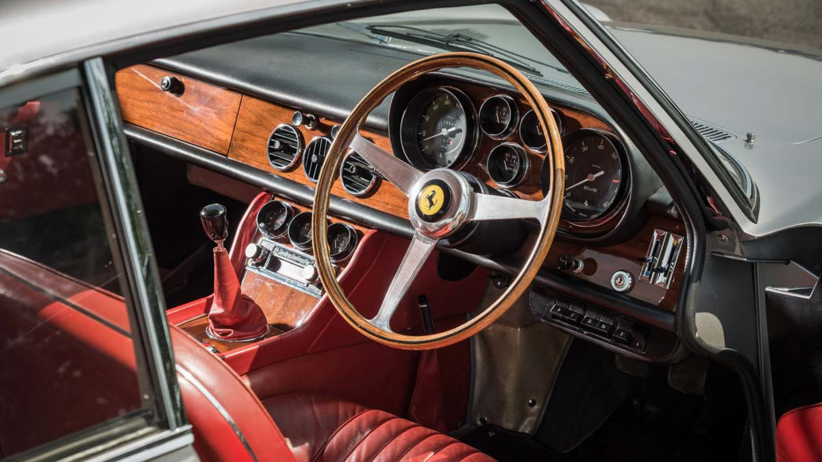 Ferrari-500-Superfast-12