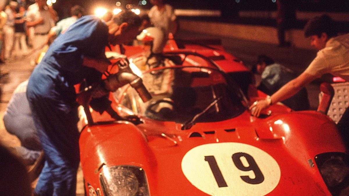 Ferrari-512S-vs-Porsche-917-9