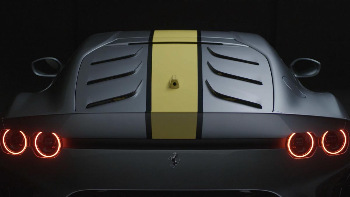 Ferrari-812-Competizione-14