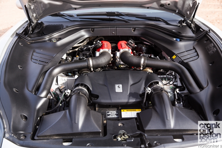 Ferrari California T vs Aston Martin Vanquish Volante-06