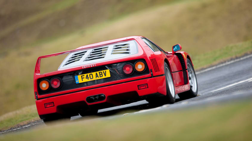 Ferrari-F40-Review-1