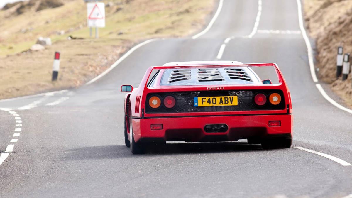 Ferrari-F40-Review-12