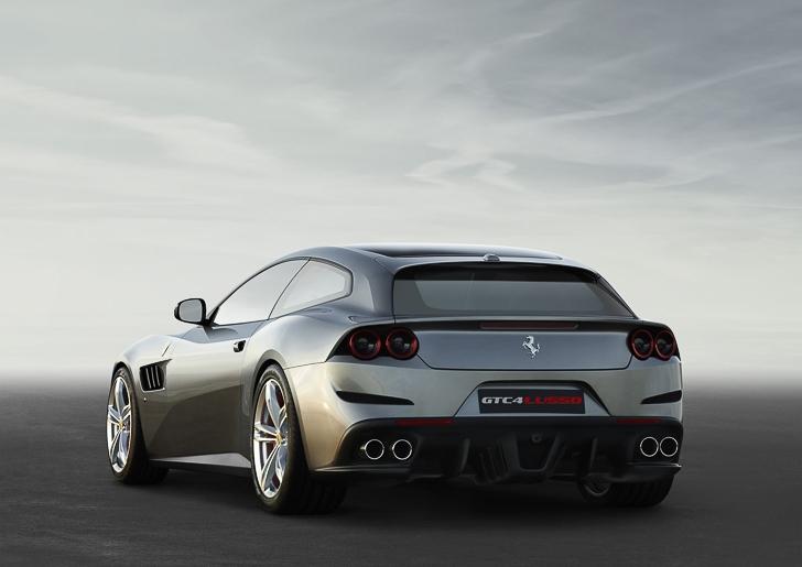 Ferrari GTC4Lusso-5