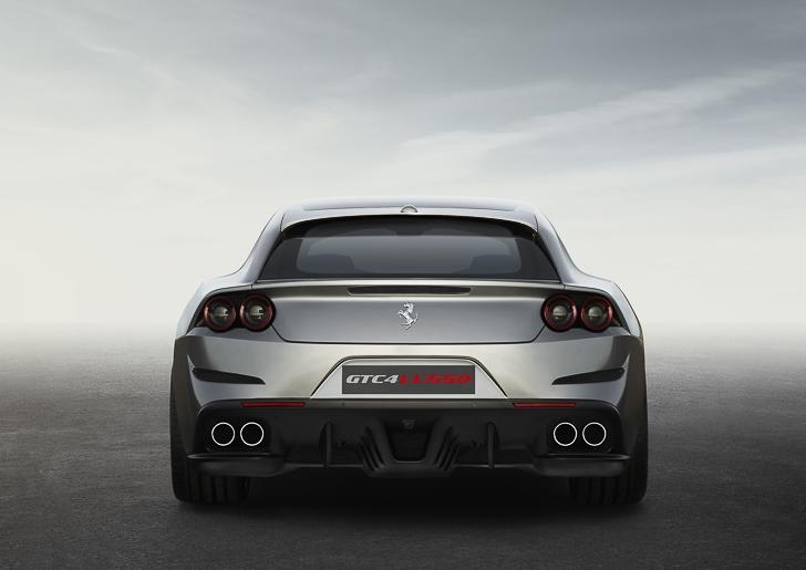 Ferrari GTC4Lusso-6