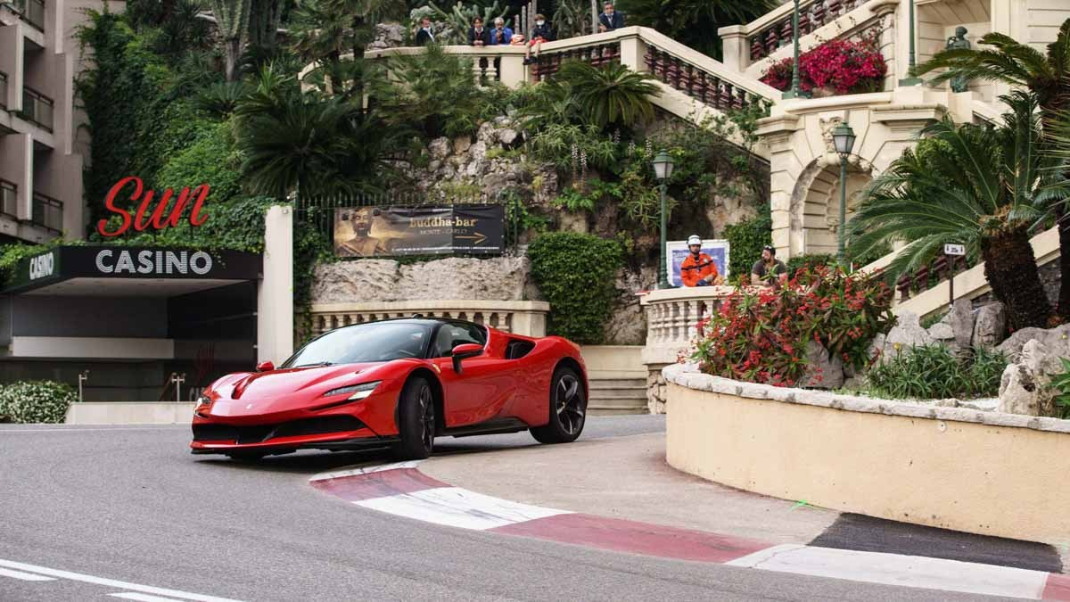 Ferrari-SF90-Stradale-8