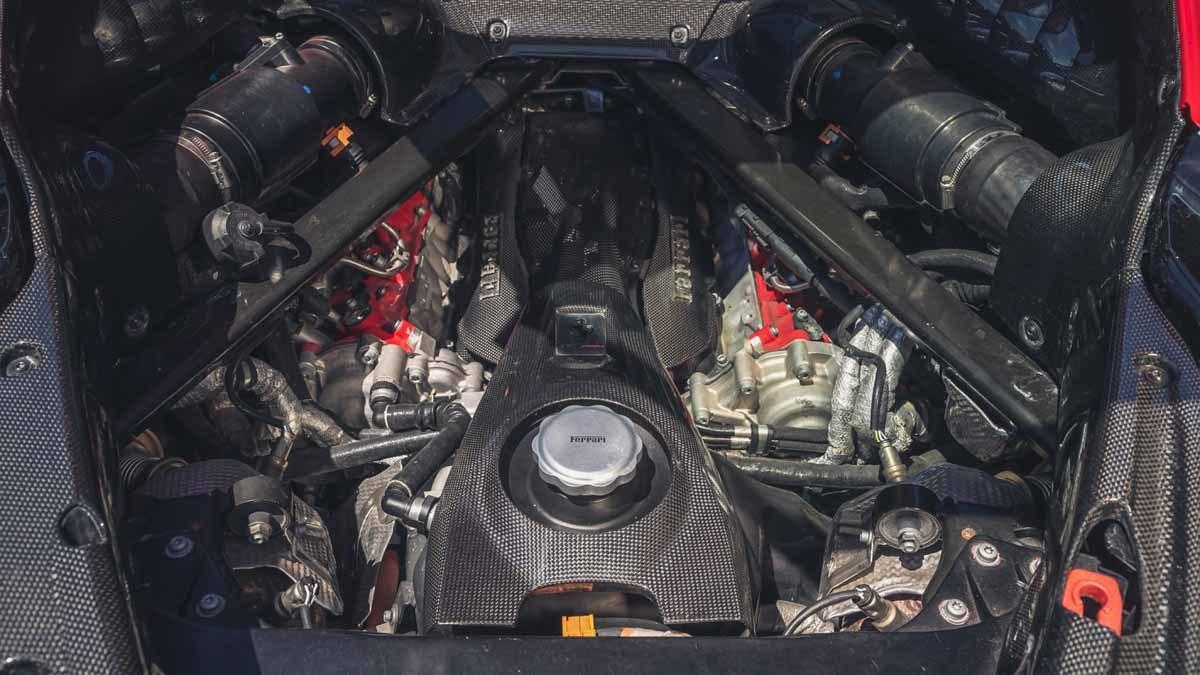 Ferrari-SF90-Stradale-10