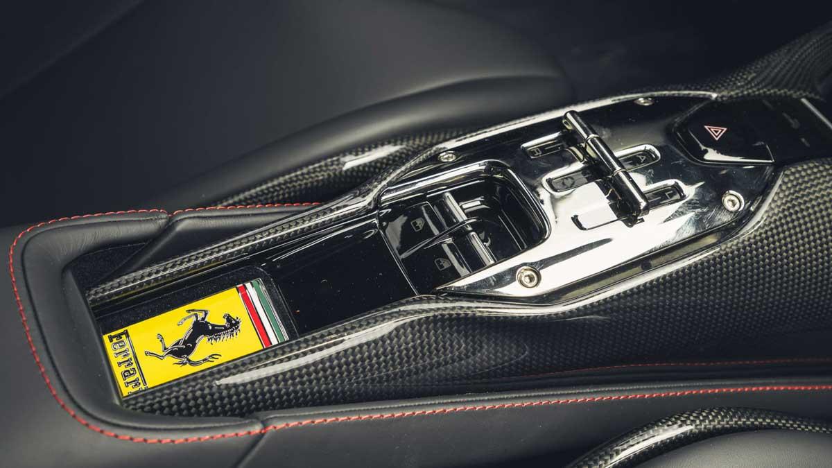 Ferrari-SF90-Stradale-12
