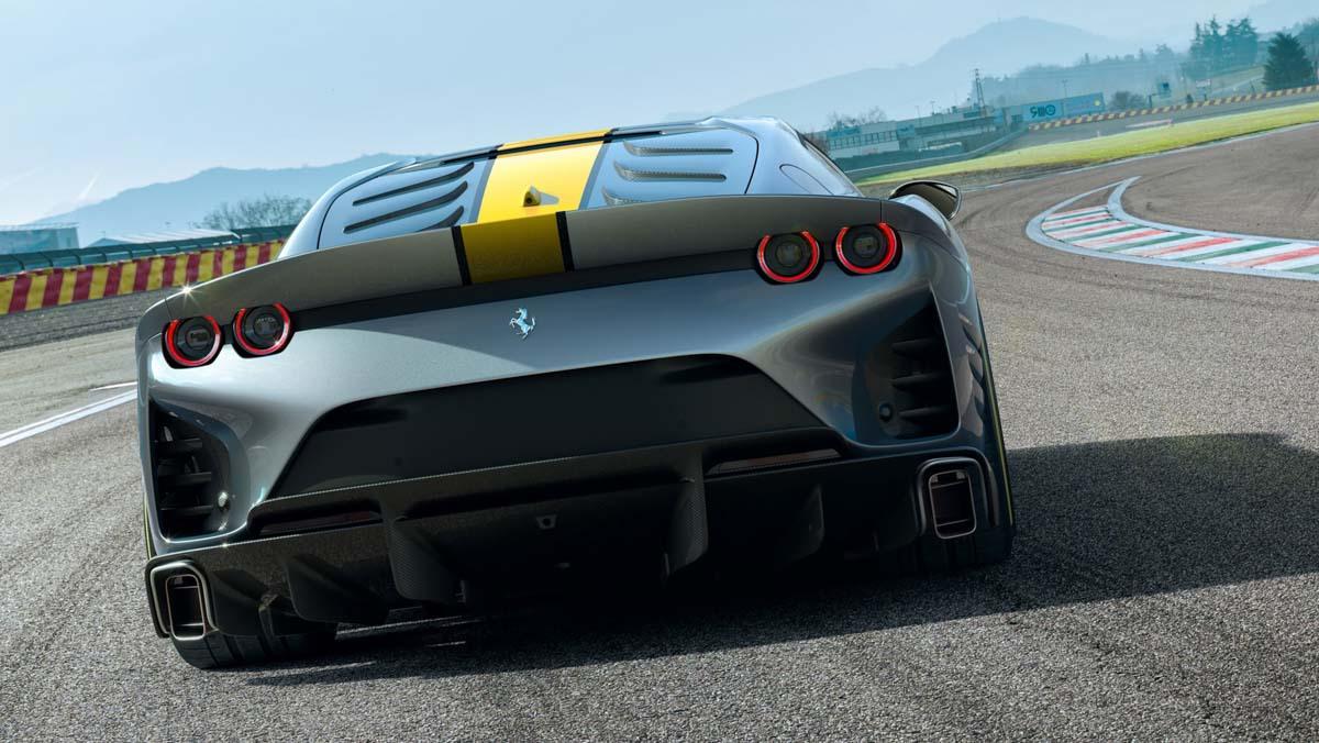 Ferrari-V12-berlinetta-2